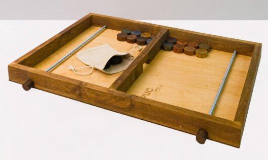 joc distractiv pucuri lemn