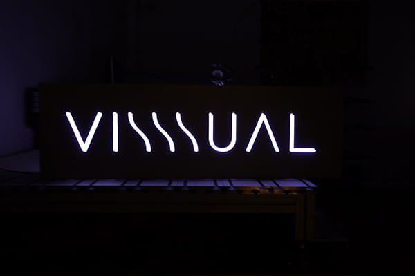 Firma luminoasa cu led Visssual
