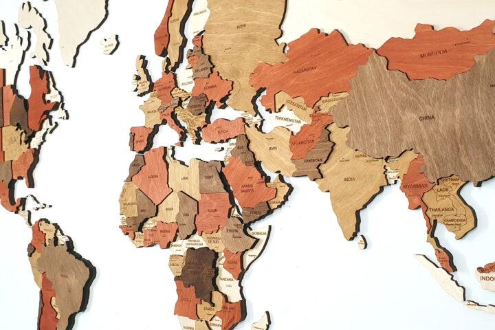 harta multicolora vedere dreapta