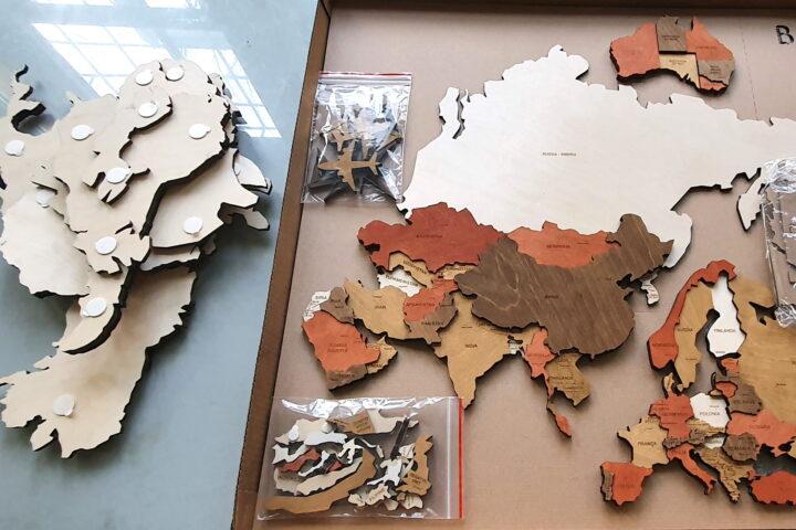 pachet harta lumii lemn